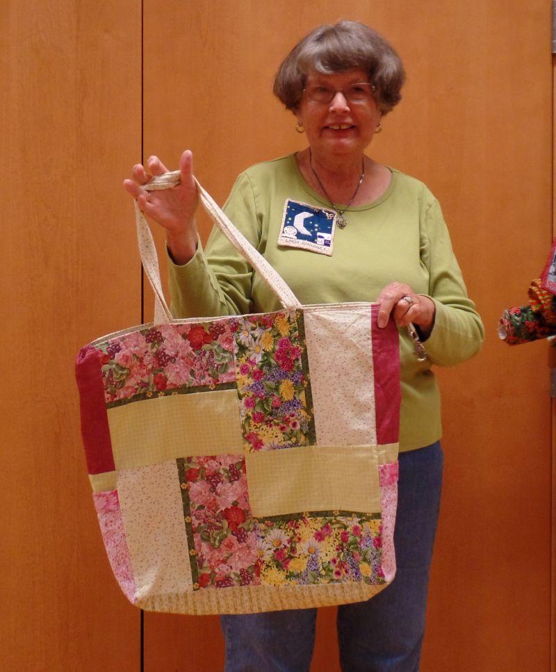 Linda C. shares roomy tote
