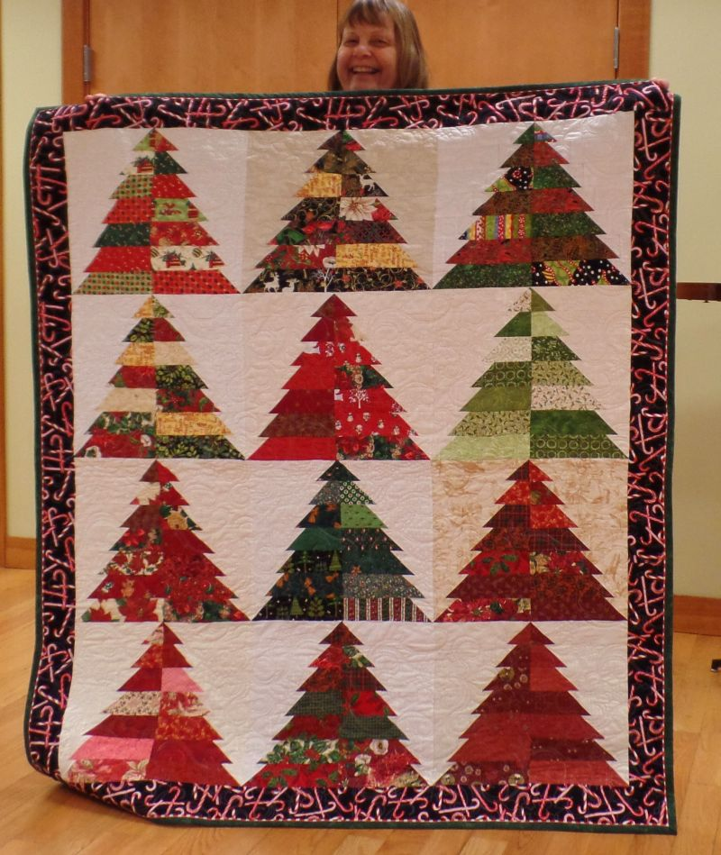 Suzanne won Pieceable's Christmas Quilt