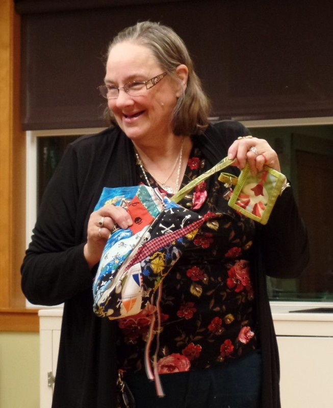 Donna made a new zipper bag big enough to carry her rotary cutter!