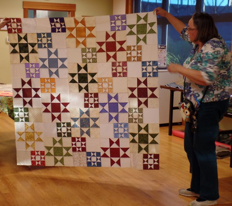 MQG 2016 Christmas Quilt Previewed