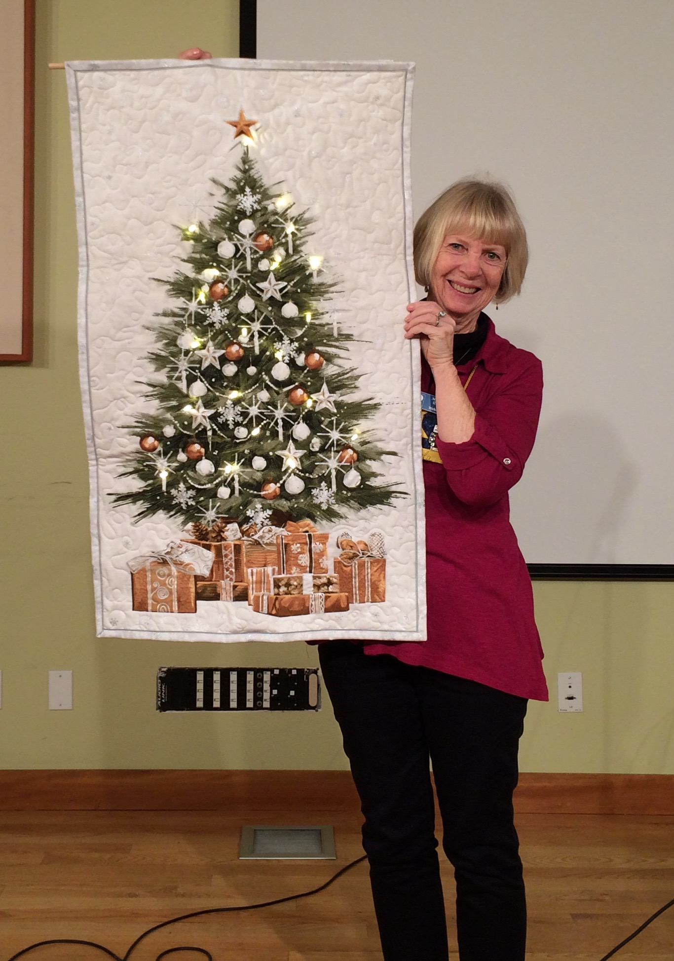 "Linda S. - ""O Christmas Tree"" a lighted quilt to take on holiday travels"