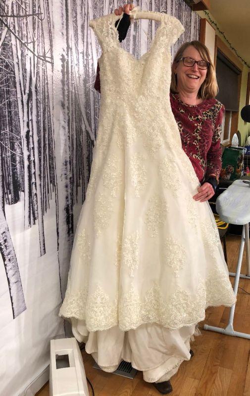Laura P. - Carly's Wedding Dress